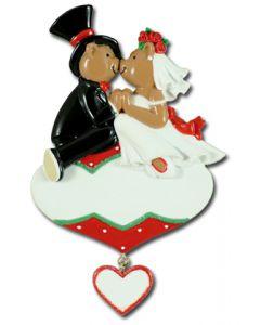 CR141: WEDDING COUPLE ON ORNAMENT